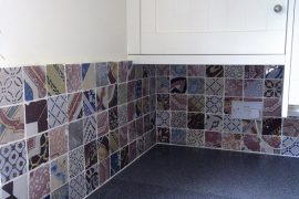 Kitchen splashback with Italian ceramic tiles